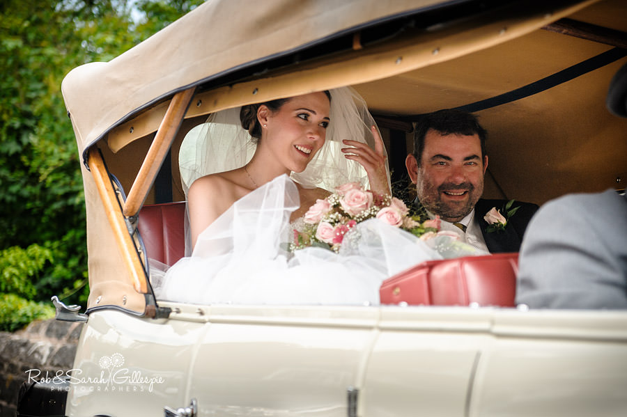 warwickshire-marquee-wedding-photography-063