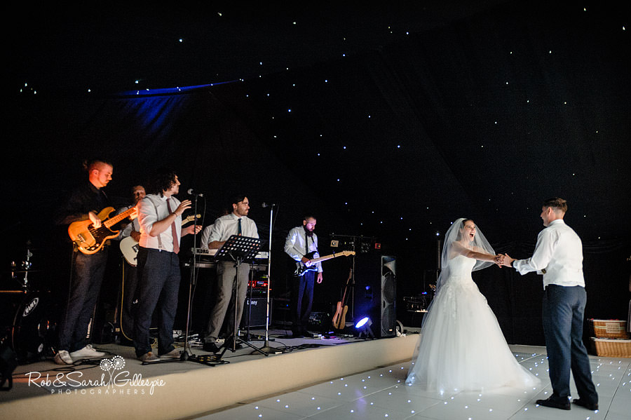 warwickshire-marquee-wedding-photography-139