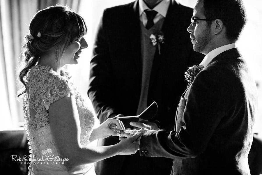 birmingham-highbury-hall-wedding-photographer-046