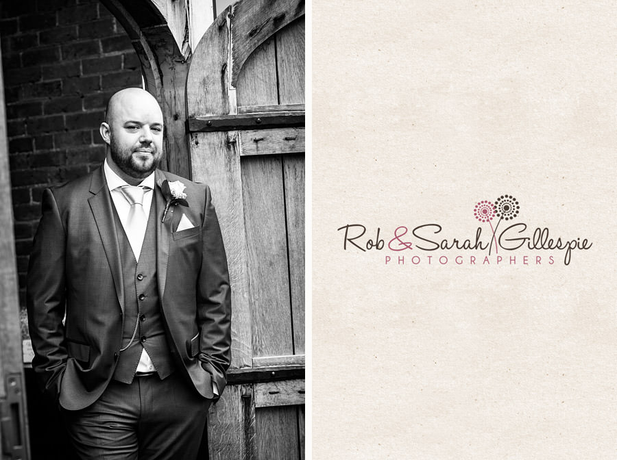 cripps-shustoke-barn-wedding-photographers-032