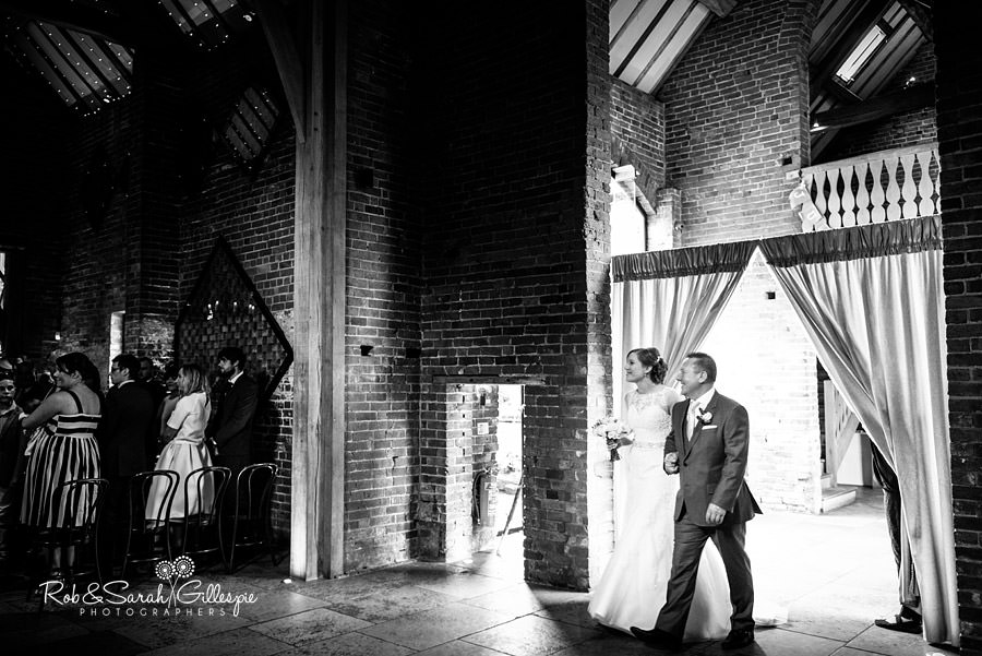 cripps-shustoke-barn-wedding-photographers-052