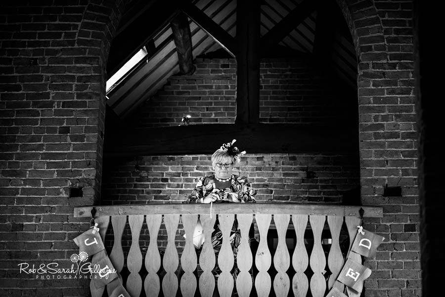cripps-shustoke-barn-wedding-photographers-075