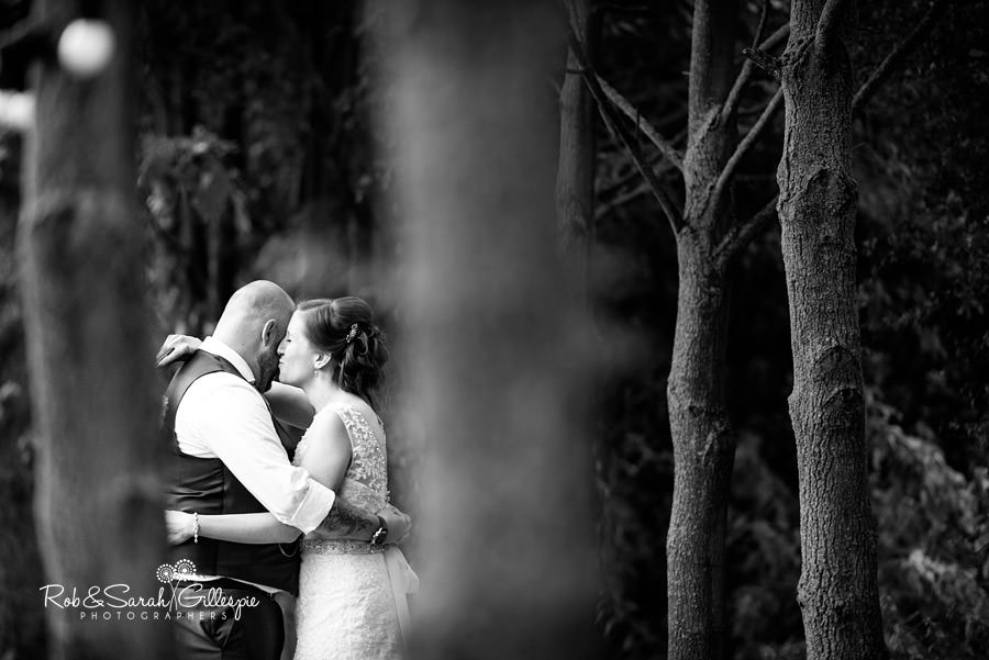 cripps-shustoke-barn-wedding-photographers-137