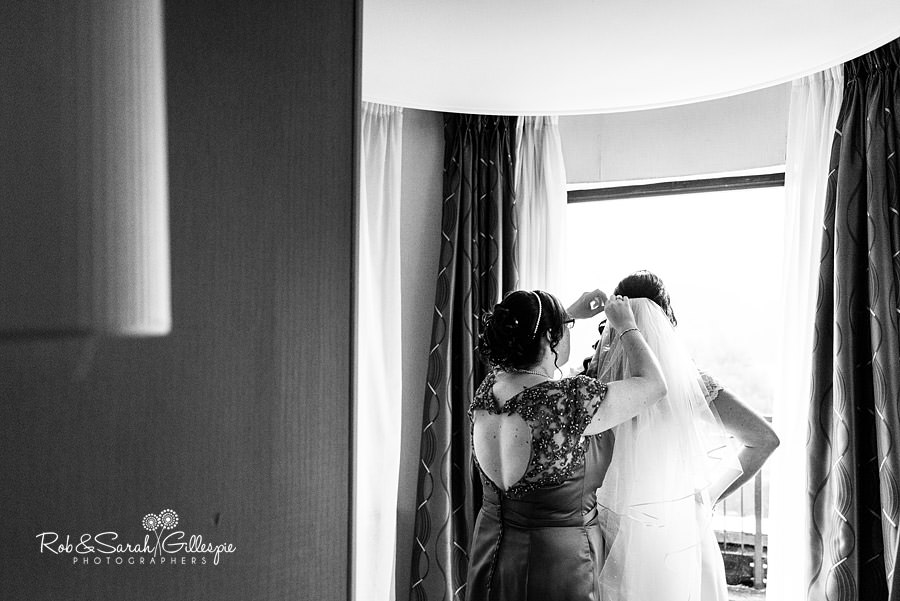 puckrup-hall-deerhurst-wedding-photographer-015