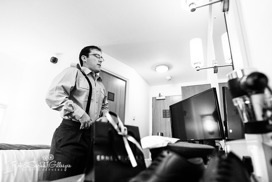 puckrup-hall-deerhurst-wedding-photographer-019