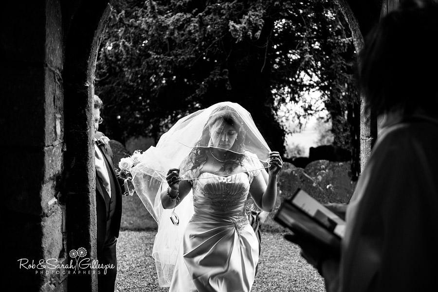 puckrup-hall-deerhurst-wedding-photographer-054