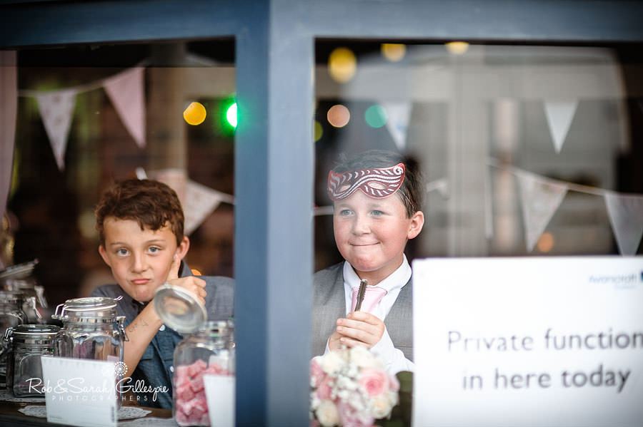 kids play at avoncroft museum wedding