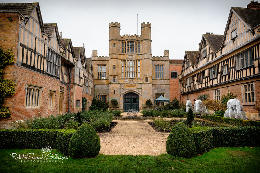 coughton-court-wedding-photography-002