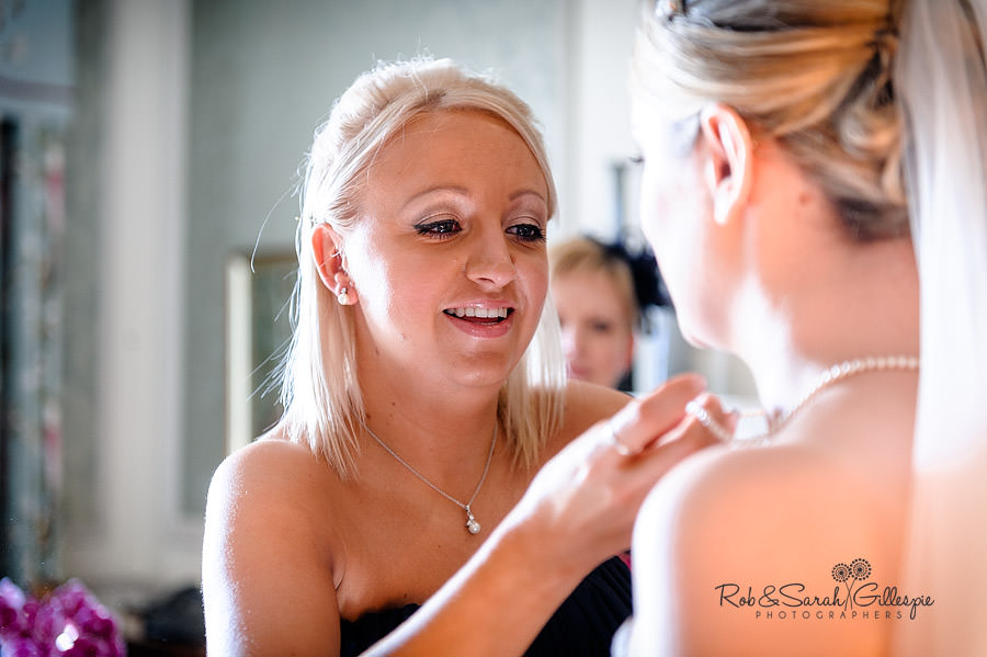 brockencote-hall-worcestershire-wedding-photos-018