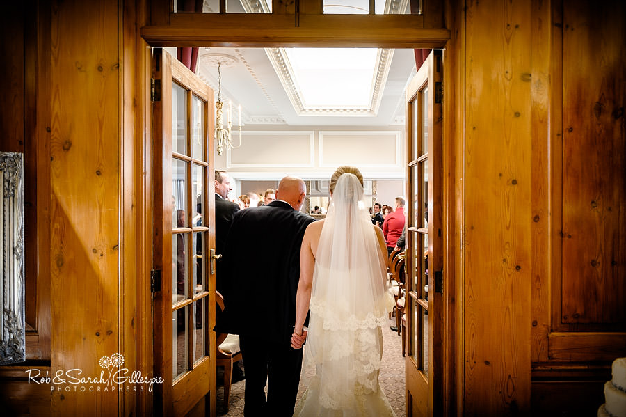 brockencote-hall-worcestershire-wedding-photos-038