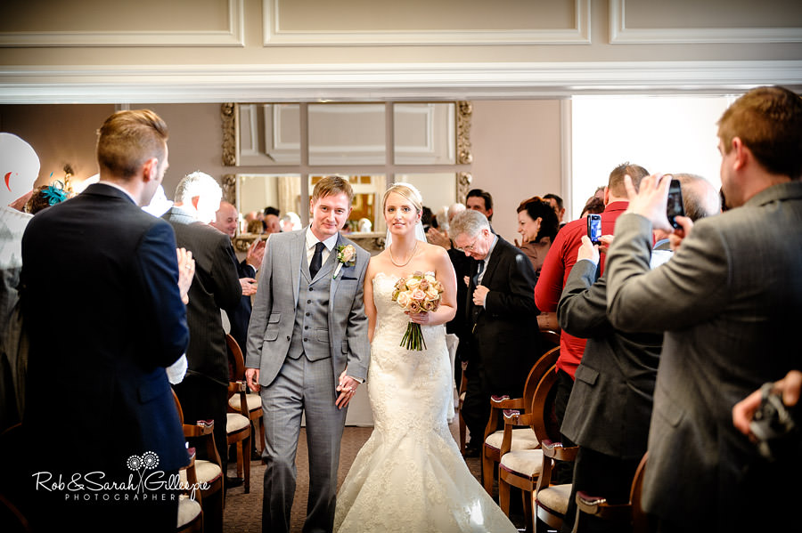 brockencote-hall-worcestershire-wedding-photos-047