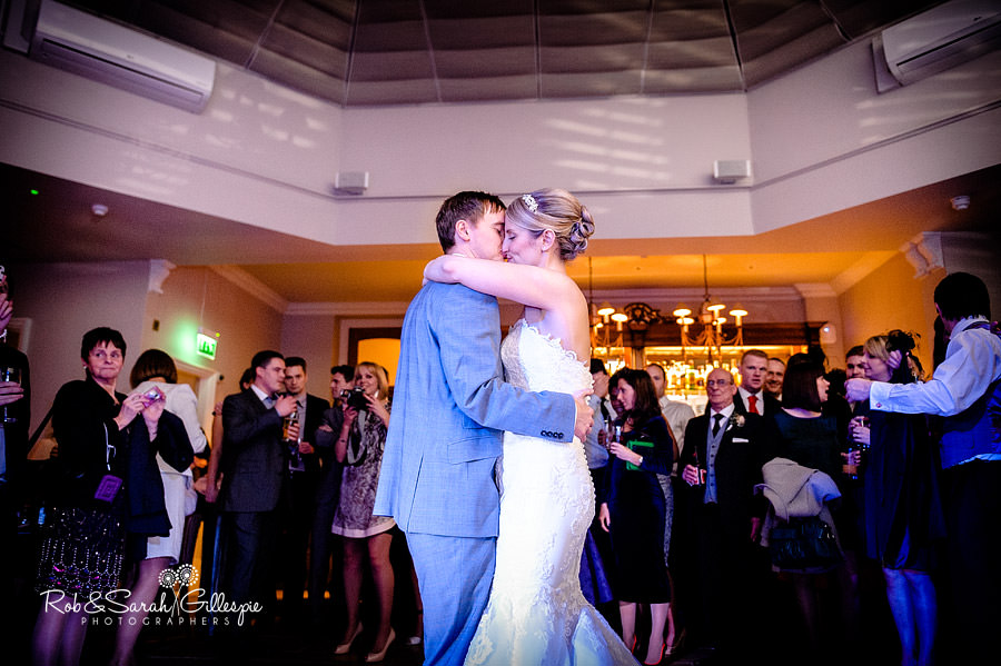 brockencote-hall-worcestershire-wedding-photos-105