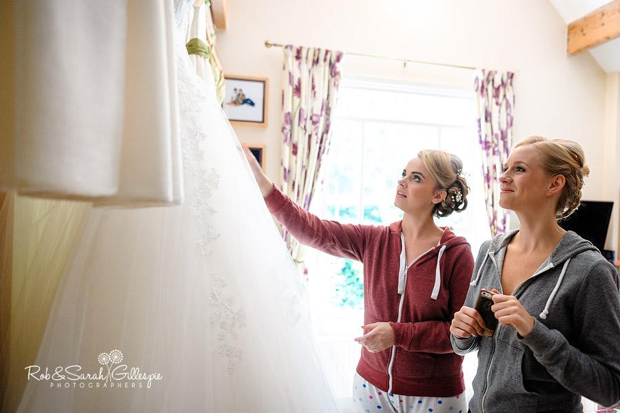 warwickshire-marquee-wedding-photography-014