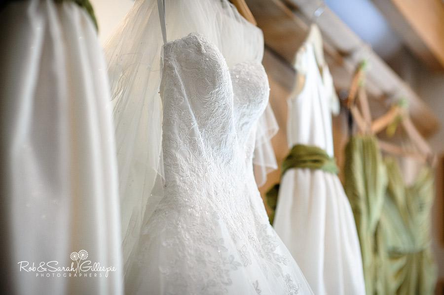 warwickshire-marquee-wedding-photography-015