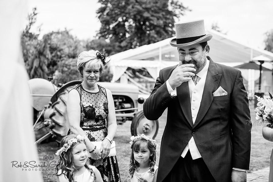 warwickshire-marquee-wedding-photography-027
