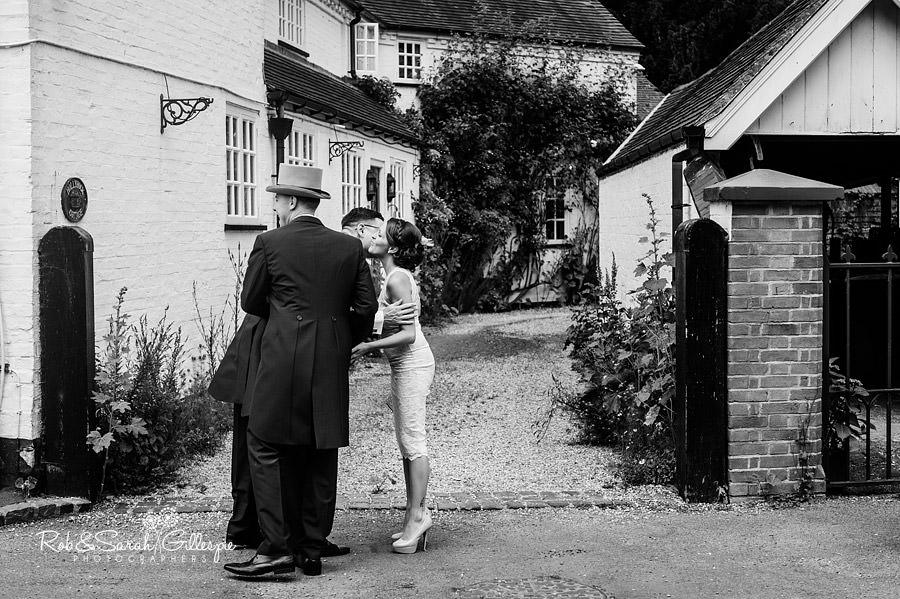 warwickshire-marquee-wedding-photography-053