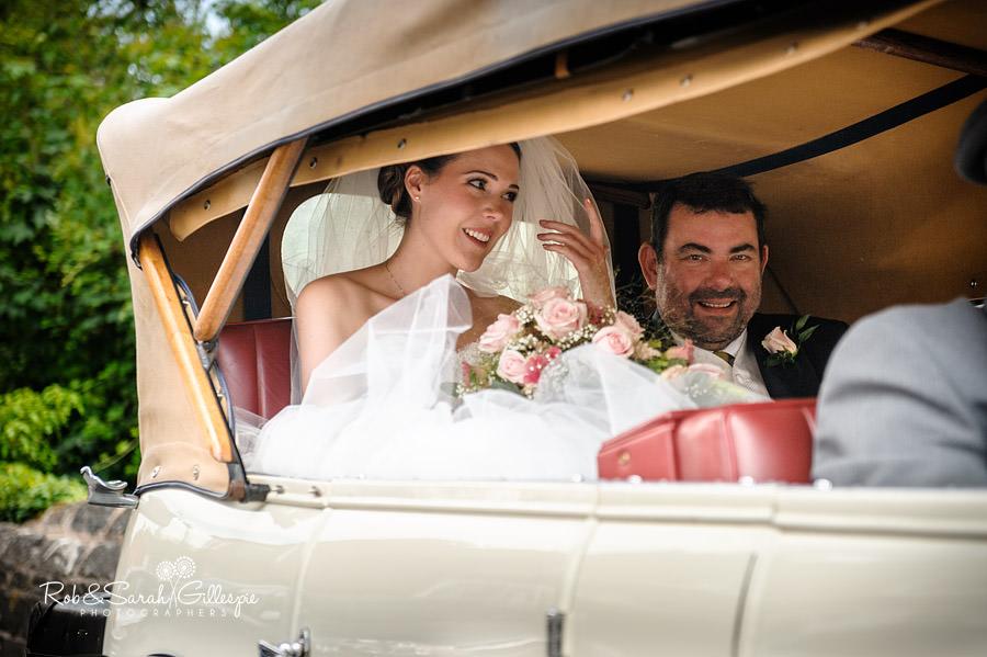 warwickshire-marquee-wedding-photography-063