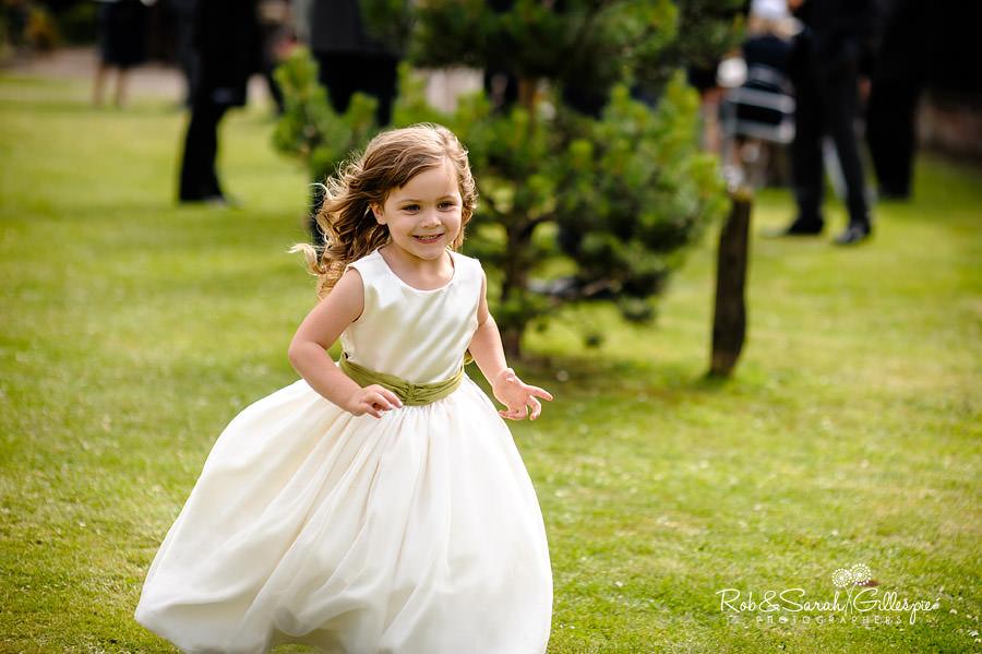 warwickshire-marquee-wedding-photography-093