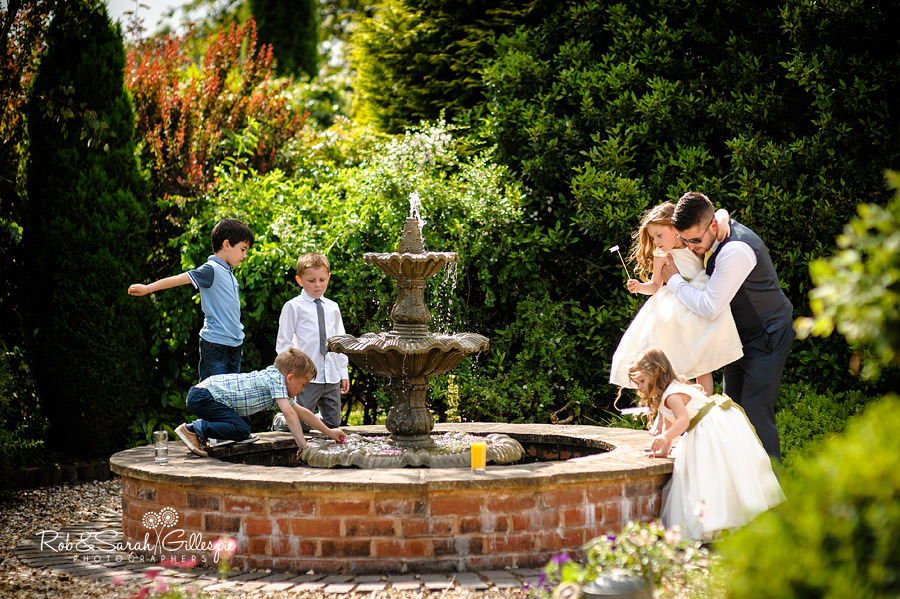 warwickshire-marquee-wedding-photography-098