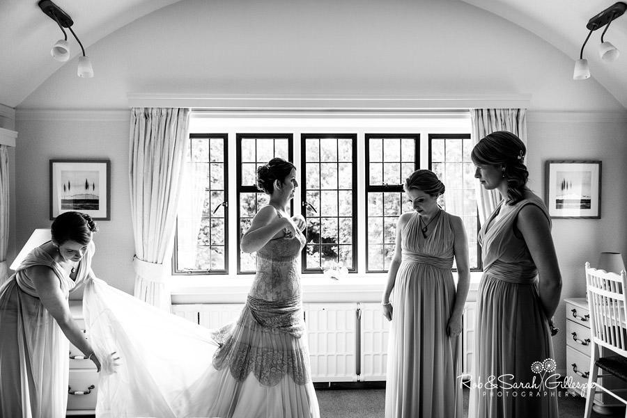 elmore-court-wedding-photography-gloucs-016