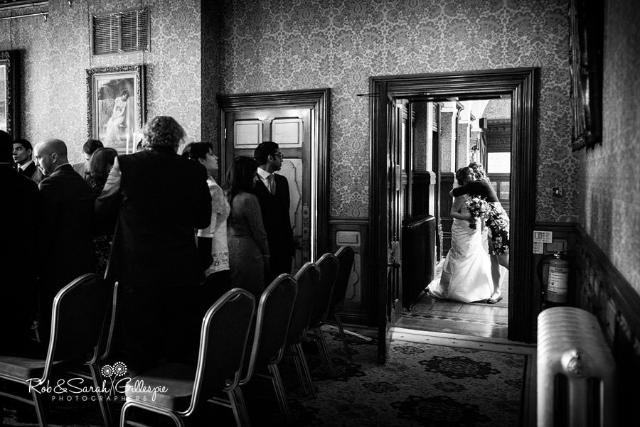 birmingham-highbury-hall-wedding-photographer-039