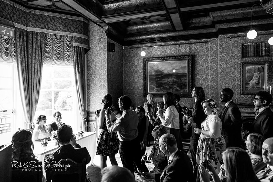 birmingham-highbury-hall-wedding-photographer-048