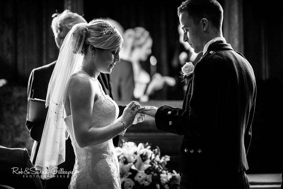coombe-abbey-wedding-photographers-rob-sarah-gillespie-056