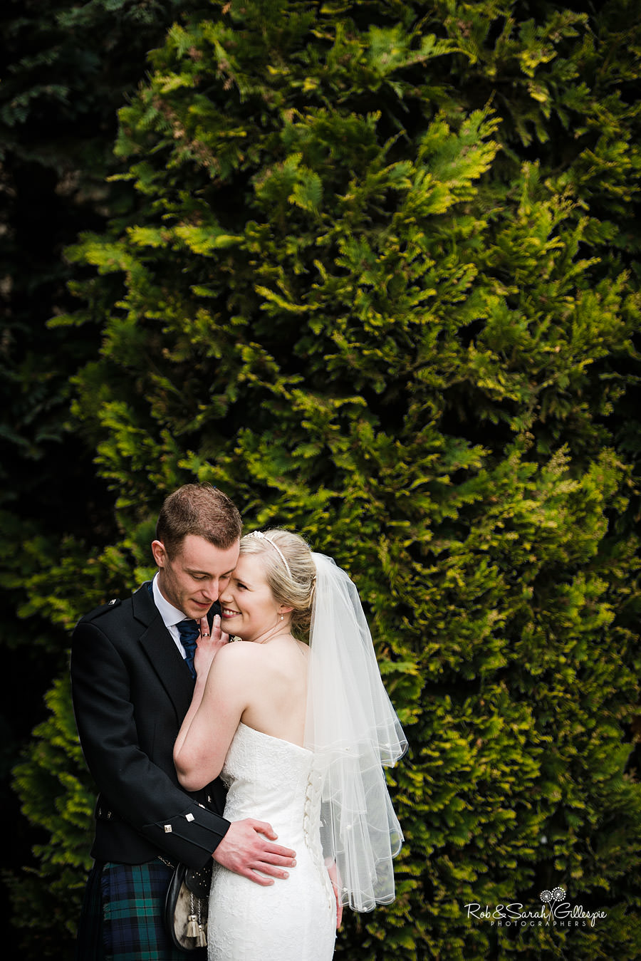 coombe-abbey-wedding-photographers-rob-sarah-gillespie-075