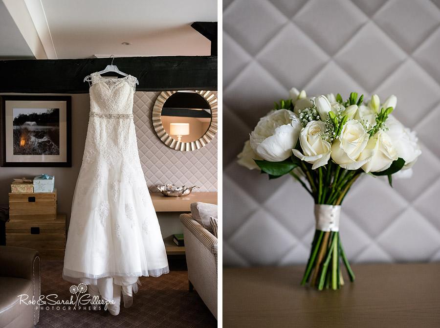 cripps-shustoke-barn-wedding-photographers-001