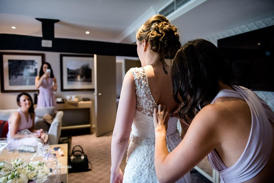 cripps-shustoke-barn-wedding-photographers-016