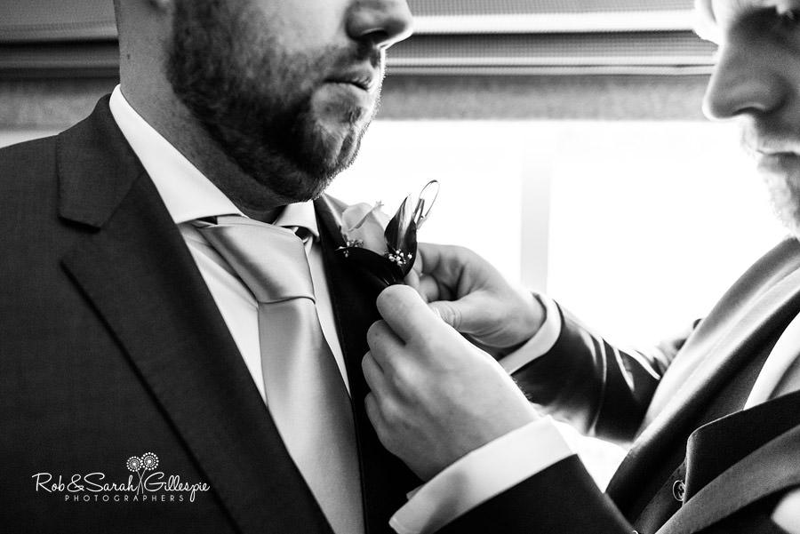cripps-shustoke-barn-wedding-photographers-022