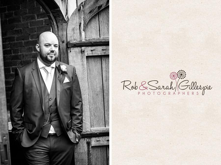 cripps-shustoke-barn-wedding-photographers-032