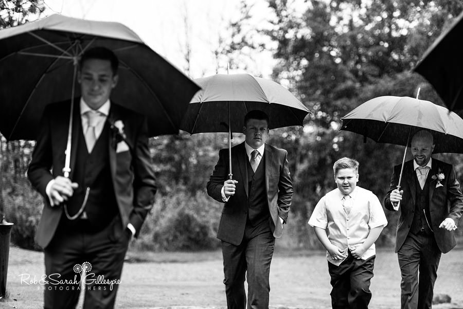 cripps-shustoke-barn-wedding-photographers-038