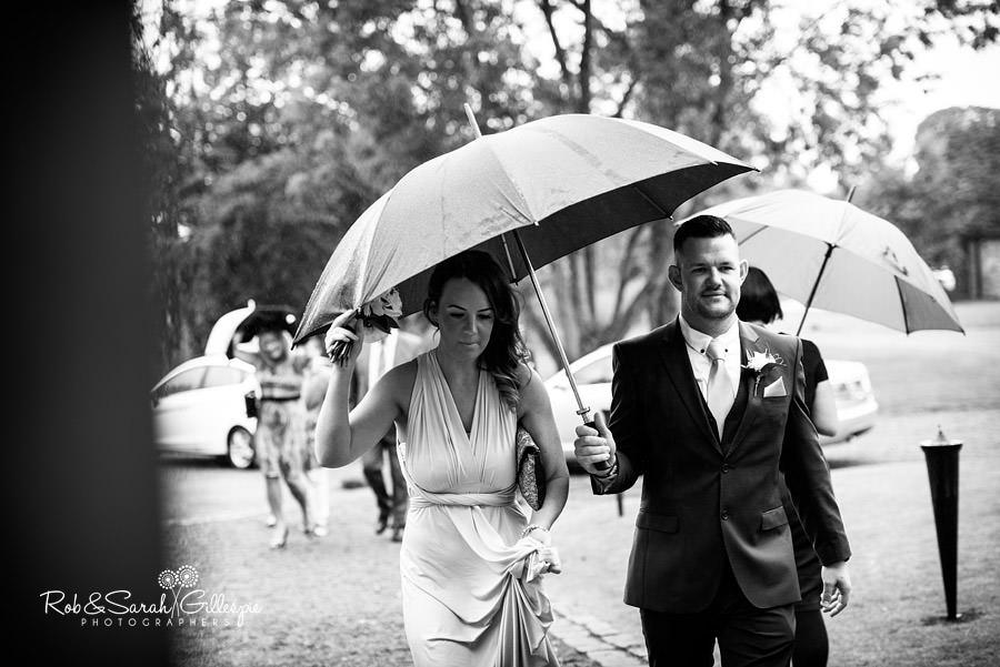 cripps-shustoke-barn-wedding-photographers-040