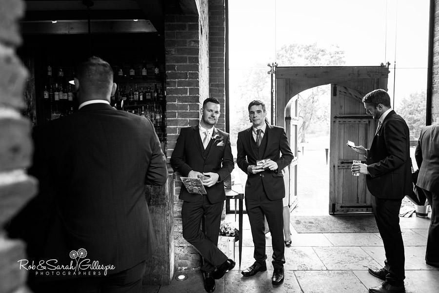 cripps-shustoke-barn-wedding-photographers-115