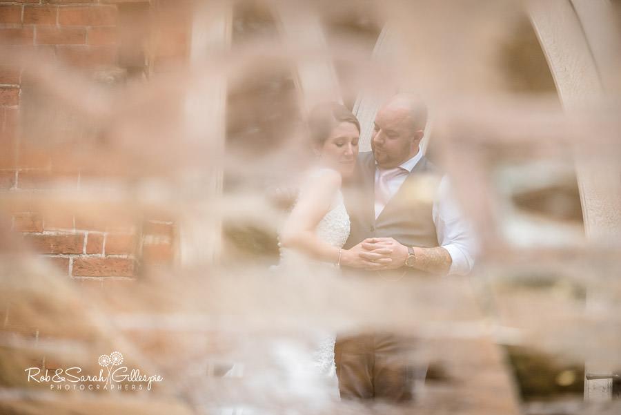 cripps-shustoke-barn-wedding-photographers-139