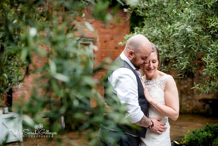 cripps-shustoke-barn-wedding-photographers-143