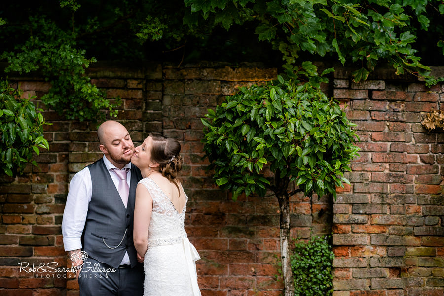 cripps-shustoke-barn-wedding-photographers-144