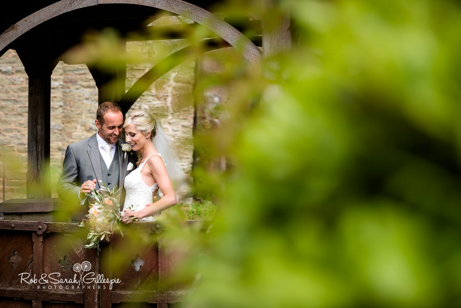 delbury-hall-coach-house-shropshire-wedding-photographers-124