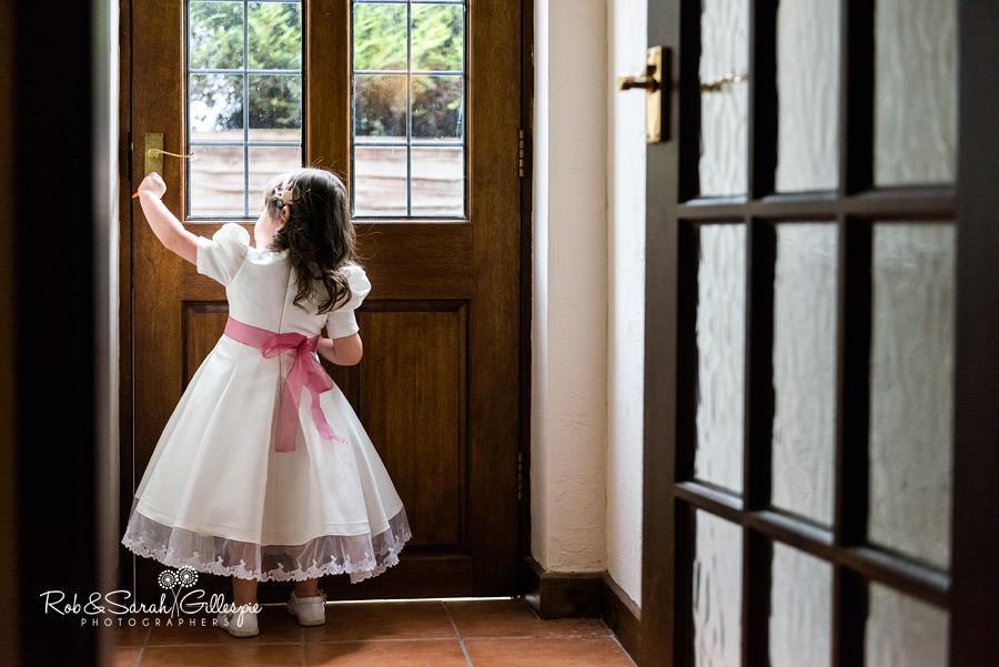 garden-party-wedding-photographer-warwickshire-016