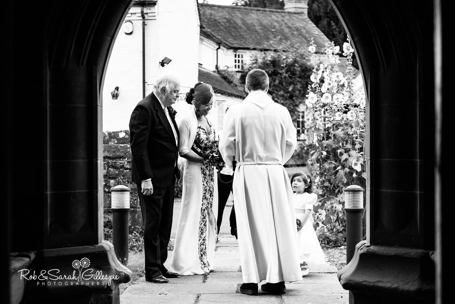 garden-party-wedding-photographer-warwickshire-055