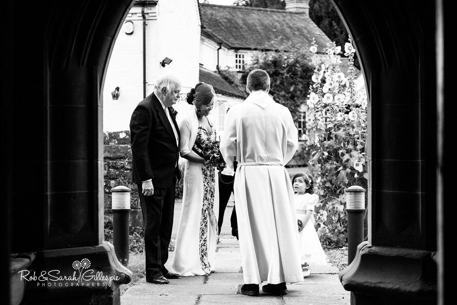 garden-party-wedding-photographer-warwickshire-055