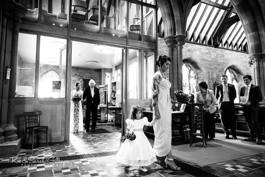 garden-party-wedding-photographer-warwickshire-060