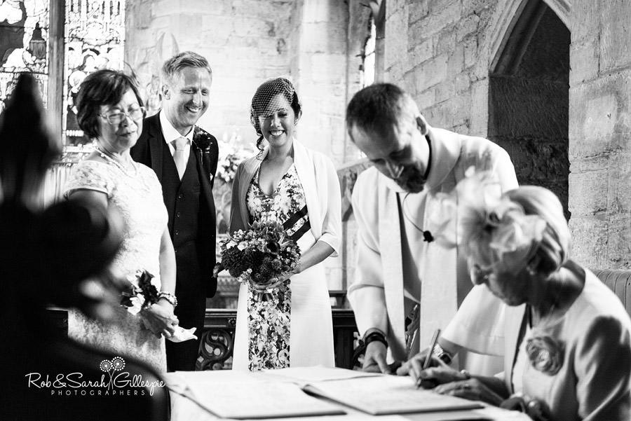 garden-party-wedding-photographer-warwickshire-082