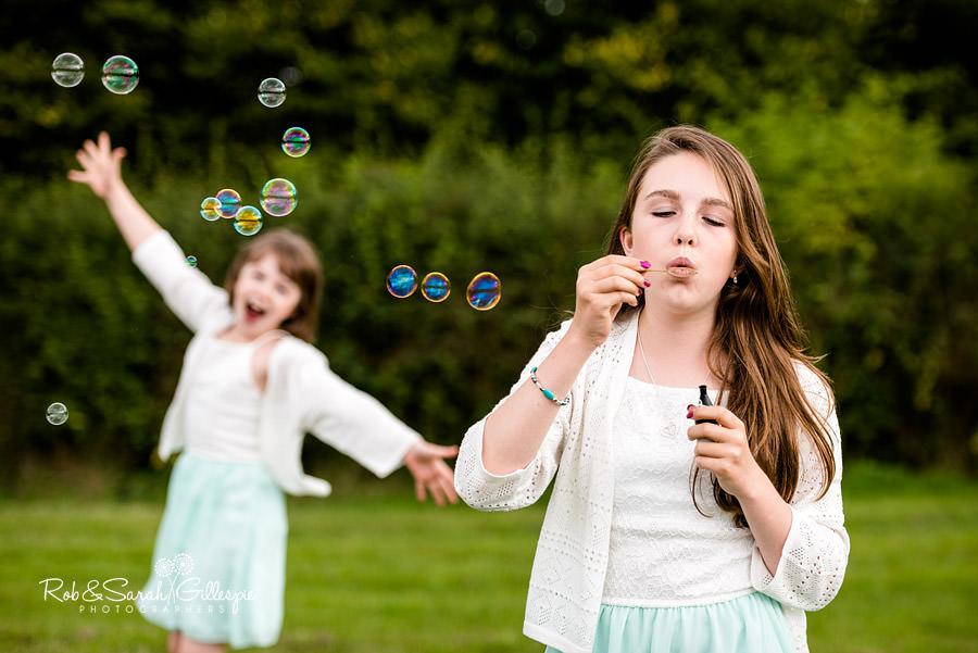 garden-party-wedding-photographer-warwickshire-120