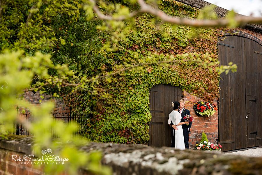 garden-party-wedding-photographer-warwickshire-136
