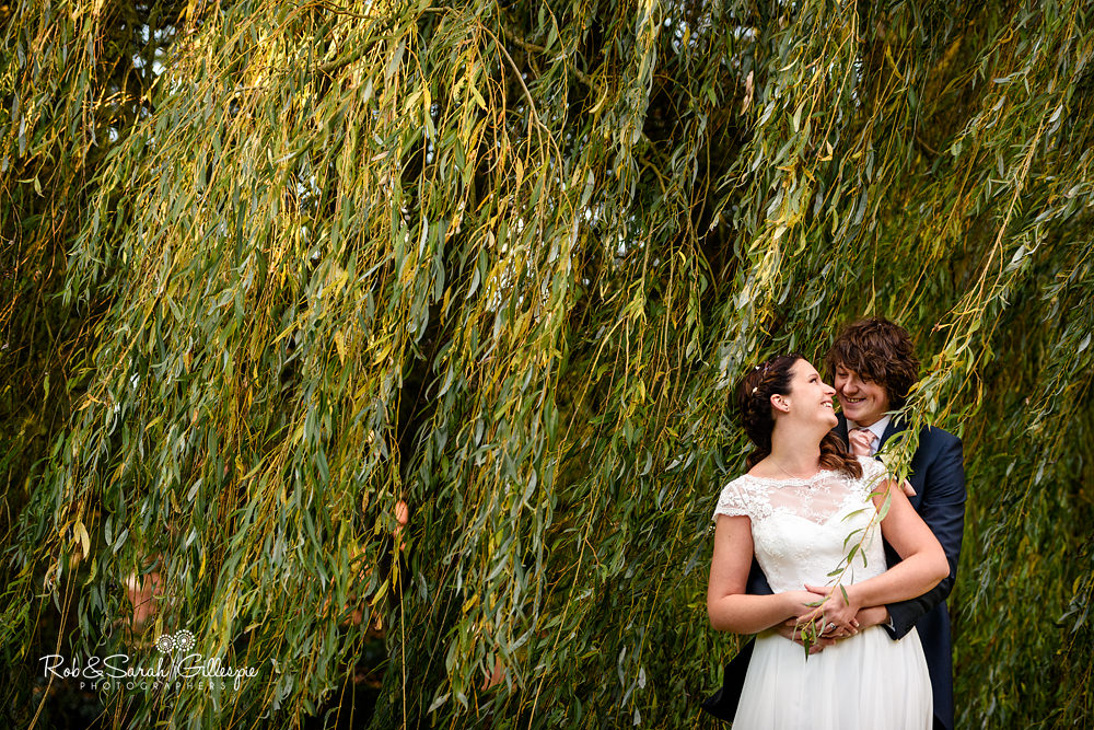Wedding photography at Pendrell Hall by Midlands photographers Rob & Sarah Gillespie