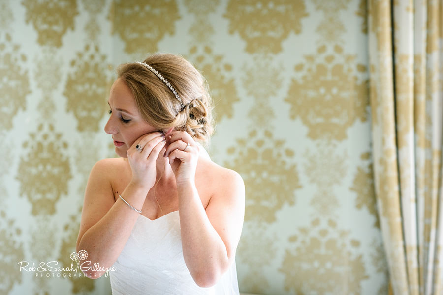 Bride geting ready for wedding at Warwick House