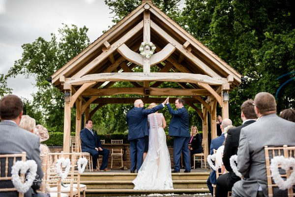 Outdoor wedding at Wethele Manor