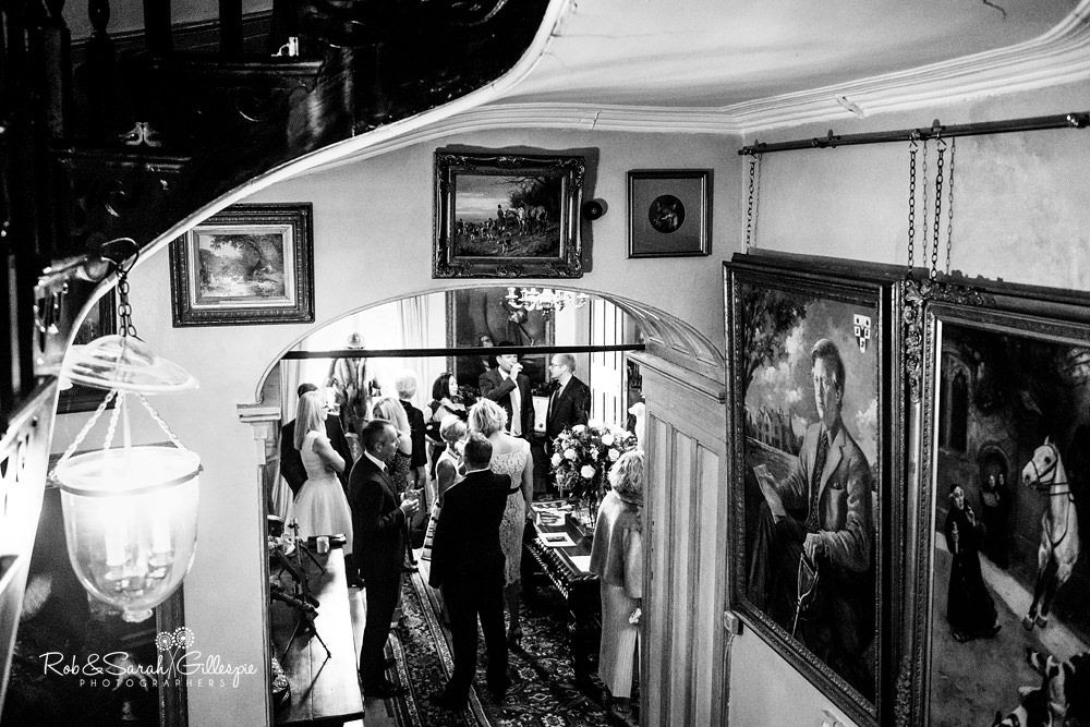 Wedding guests arrive at Maunsel House